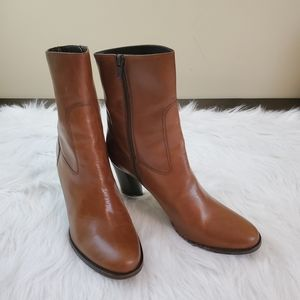 **Cole Haan Size 9 Brown Leather Zip Up Boots